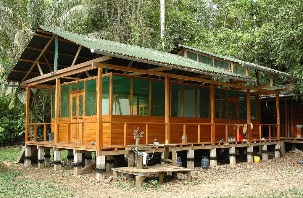 The dining room and kitchen at Cocha Cashu Biological Station.
