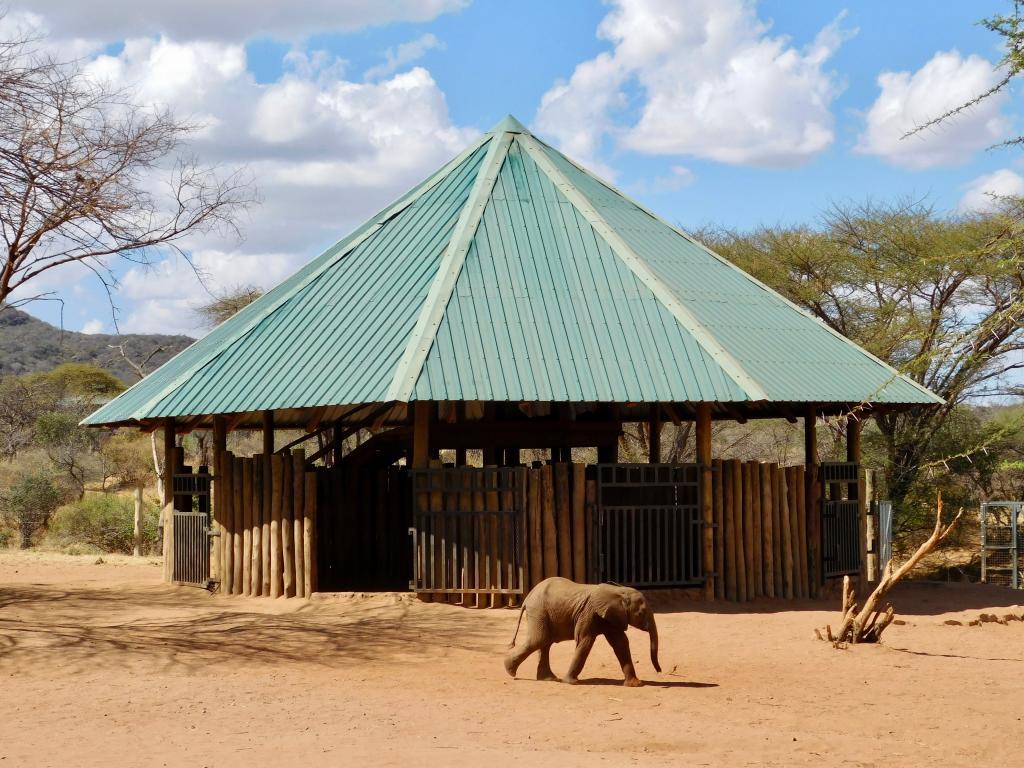 The main communal stable at Reteti.